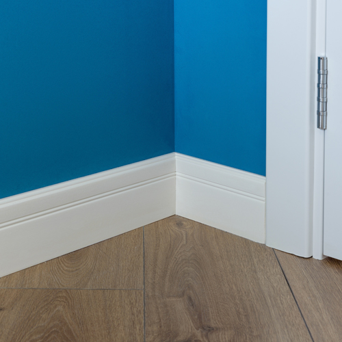 coving-with-blue-rendered-wall